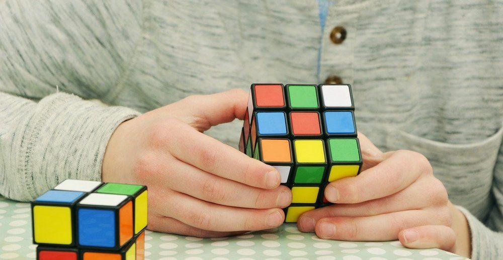 Rubiks kub i många varianter